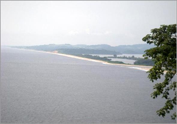 A belíssima praia de Lândana à beira da zona operacional 100% - José Carlos Mendes - Capeia Arraiana