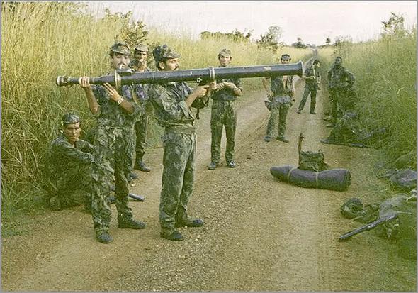 Lança-granadas Bazuka - Capeia Arraiana