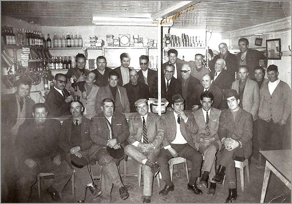 Foto tirada na Tasca do Campainhas no dia 10 de Novembro de 1971