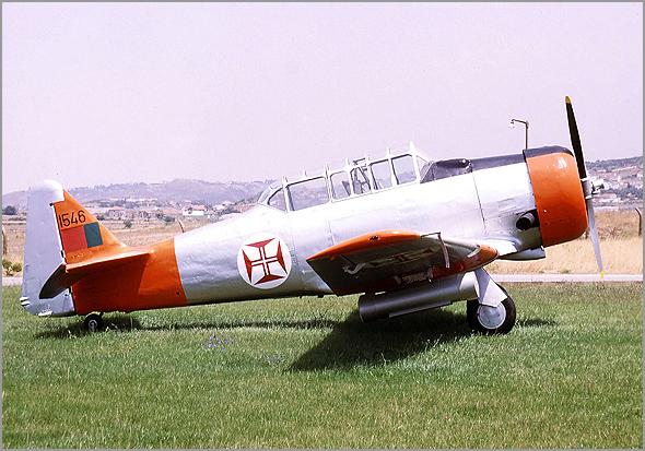 North American T-6 é um avião monomotor para instrução e treino - Capeia Arraiana