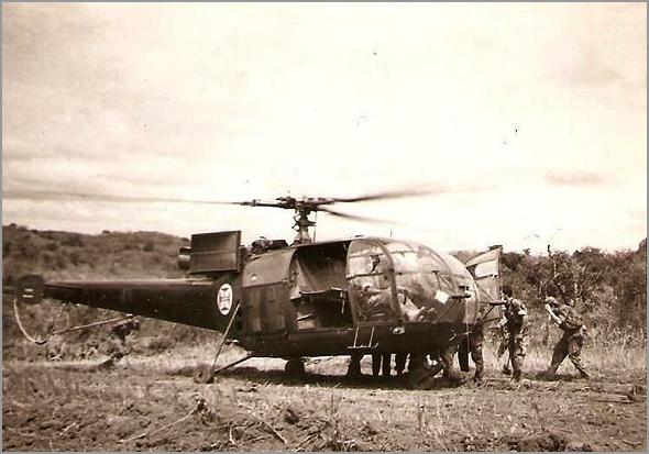 Os hélis Alouette III da Força Aérea Portuguesa tinham versões «canhão», «evacuação médica», «transporte de operacionais» e «busca e salvamento» - Capeia Arraiana