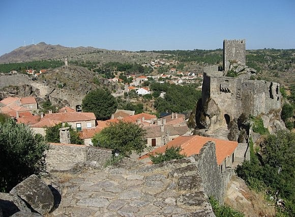 Muralha do Castelo da Aldeia Histórica de Sortelha