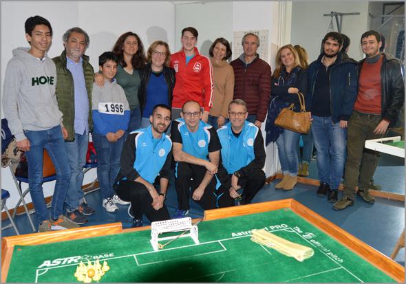 Théo Modeste e os três elementos da equipa francesa com familiares do jogador de descendência portuguesa - Capeia Arraiana