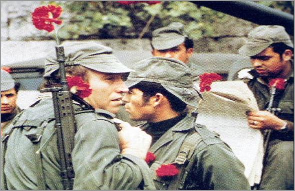 Revolução dos Cravos - 25 de Abril de 1974 - capeiaarraiana.pt