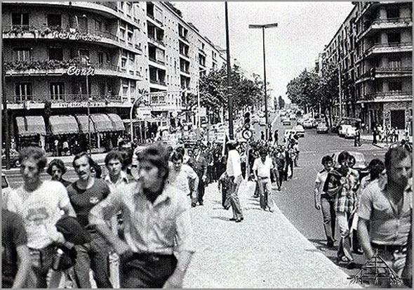 Sabugalenses desfilam na Avenida João XXI em direcção à Praça de Touros do Campo Pequeno - Capeia Arraiana