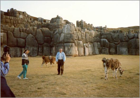 Franklim na fortaleza de Sacsayhuaman