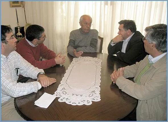 Primeira reunião em casa de Pinharanda Gomes com os responsáveis da Câmara Municipal do Sabugal (Foto: José Carlos Lages)