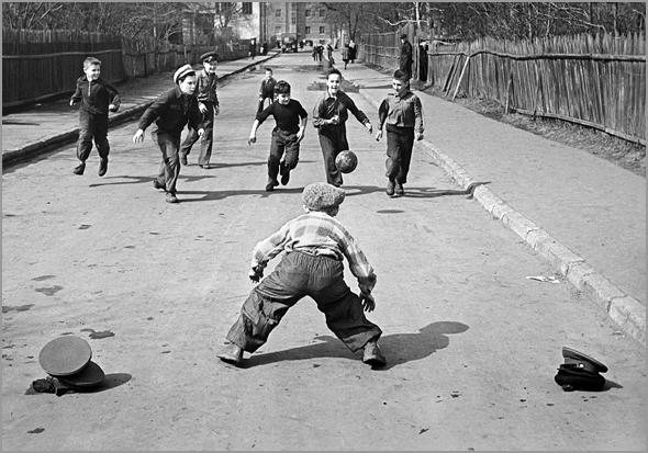 O futebol jogava-se mais ou menos assim...