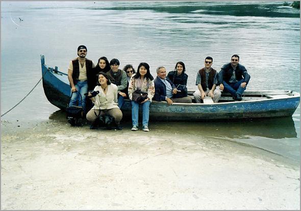 O grupo no barquito para atravessar o rio Tejo
