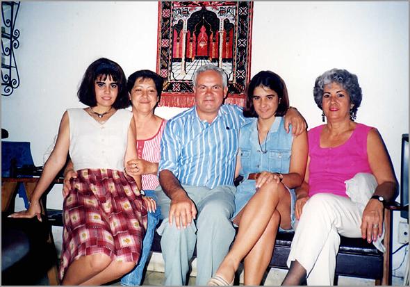 Franklim em casa dos pais da Yamilé