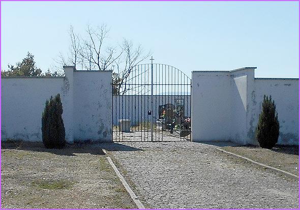 O cemitério novo em Águas Belas