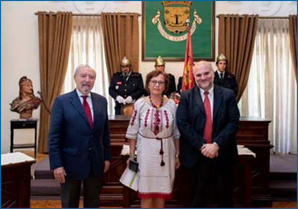 Nina Tsybulska e Paulo Fernandes (presidente da CM Fundão)