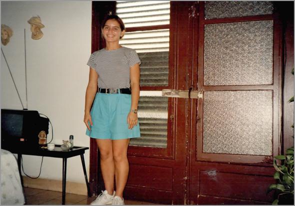 A enfermeira Yéni no quarto da Edelsa