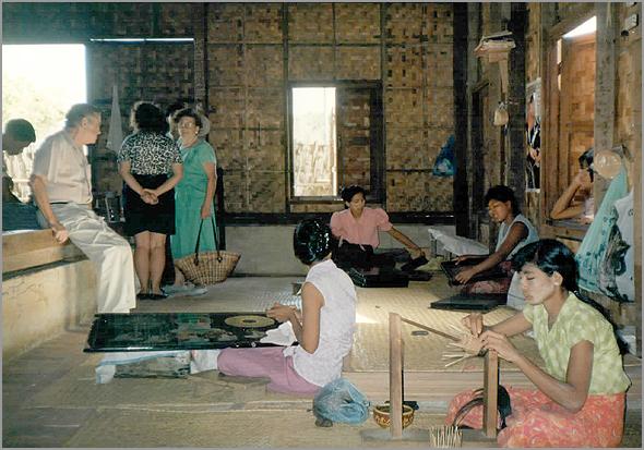 Fábrica de lacados em Mandalay
