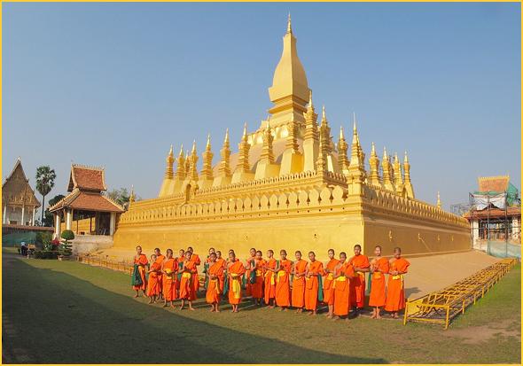 That Luang stupa em Vientiane