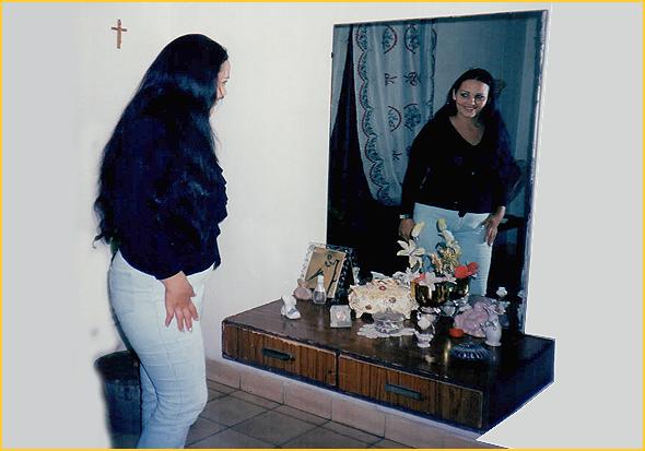 A Vivian de Maiari no quarto da Edelsa