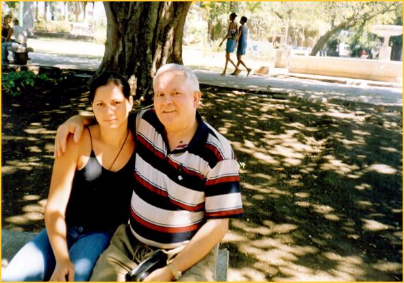 Franklim com a Yanislady num parque de Havana