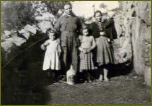 António Cerdeira Seixas com a família antes da partida para França