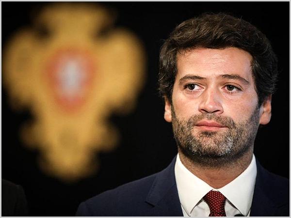 Tensão social e ideológica em Portugal