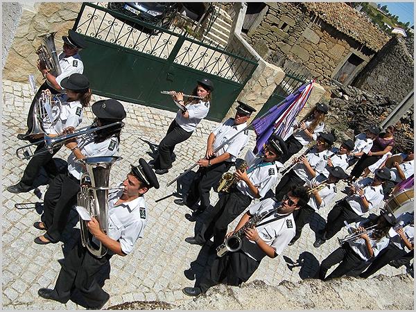 Banda Filarmónica durante a procissão