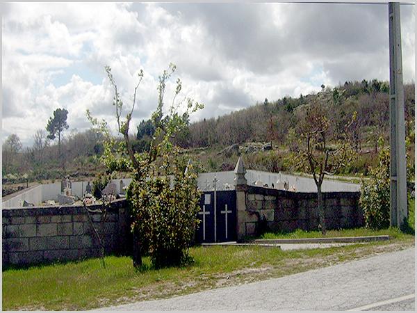 Cemitério de Pousafoles do Bispo