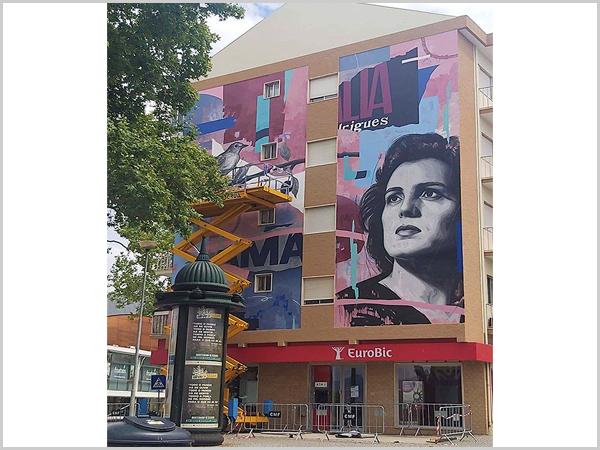 Mural de Amália Rodrigues no Fundão