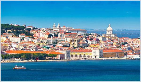 Rio Tejo com Lisboa em fundo