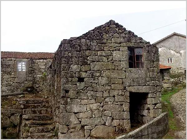 Casa de pedra das aldeias da Beira Alta