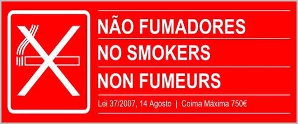 Dístico «Não Fumadores» para restaurantes e transportes públicos