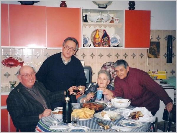 O meu pai Armando, eu, a minha mãe Belmira e a minha irmã Tete
