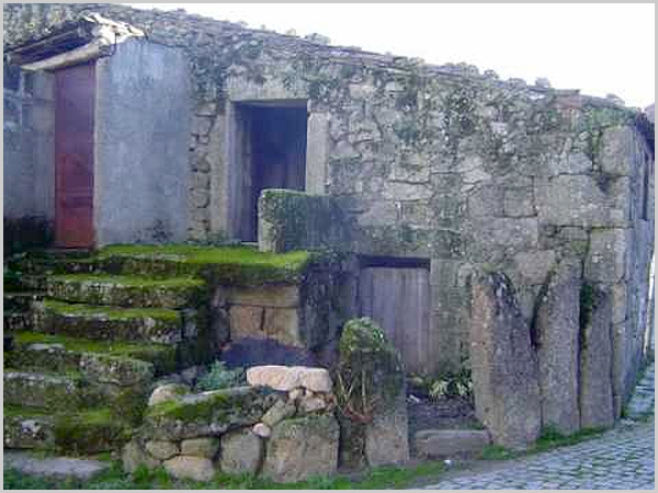 Casa antiga no Casteleiro