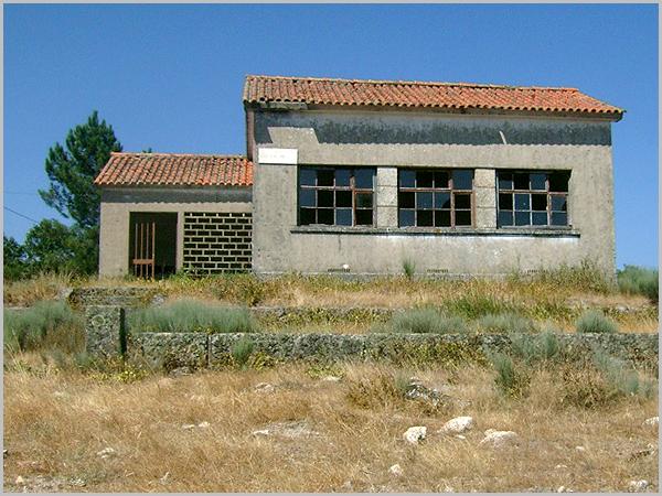 Antiga Escola Primária da Quinta da Ribeira