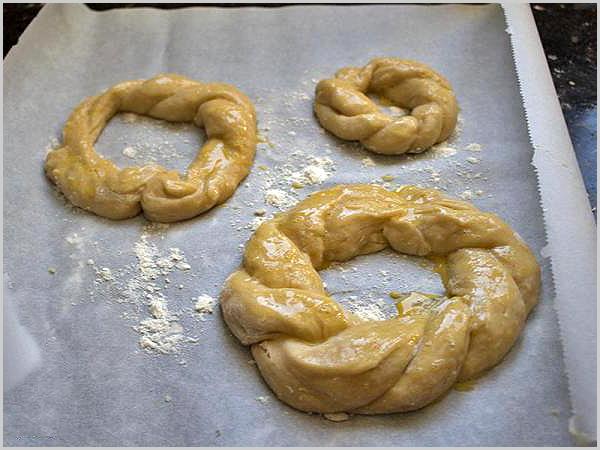 Rosca – bolo redondo de trigo com azeite, cozido no forno