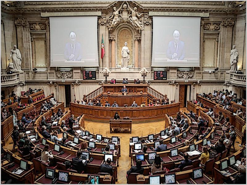 Governo entregou Orçamento de Estado 2021 na Assembleia da República