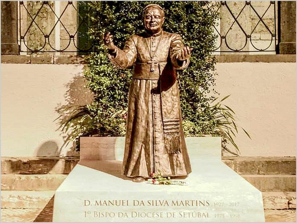 Estátua de D. Manuel Martins, primeiro bispo de Setúbal
