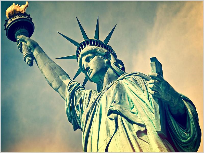 Estátua da Liberdade em Nova Iorque - capeiaarraiana.pt