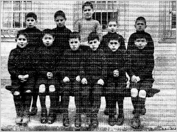 Turma de alunos do Outeiro de São Miguel - capeiaarraiana.pt