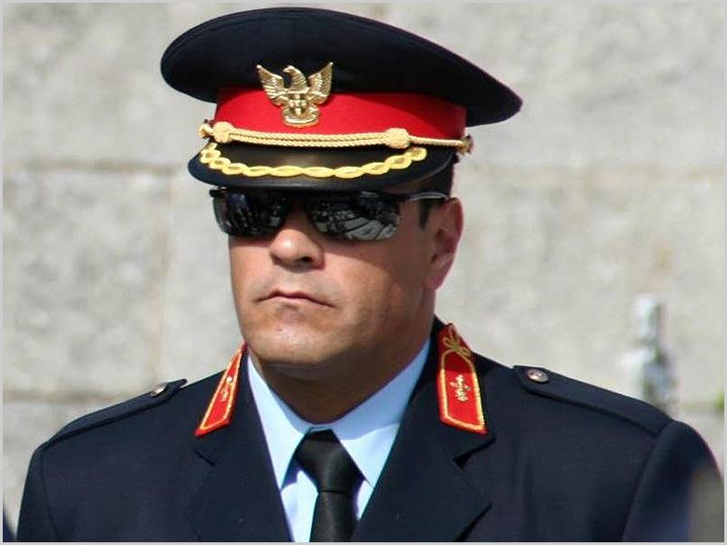 Comandante António Morais - capeiaarraiana.pt