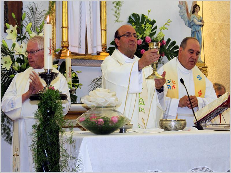 Celebração das Bodas de Ouro Sacerdotais do Padre Manuel Igreja Dinis no dia 2 de Agosto de 2015 na igreja do Sabugal (foto: arquivo Capeia Arraiana)