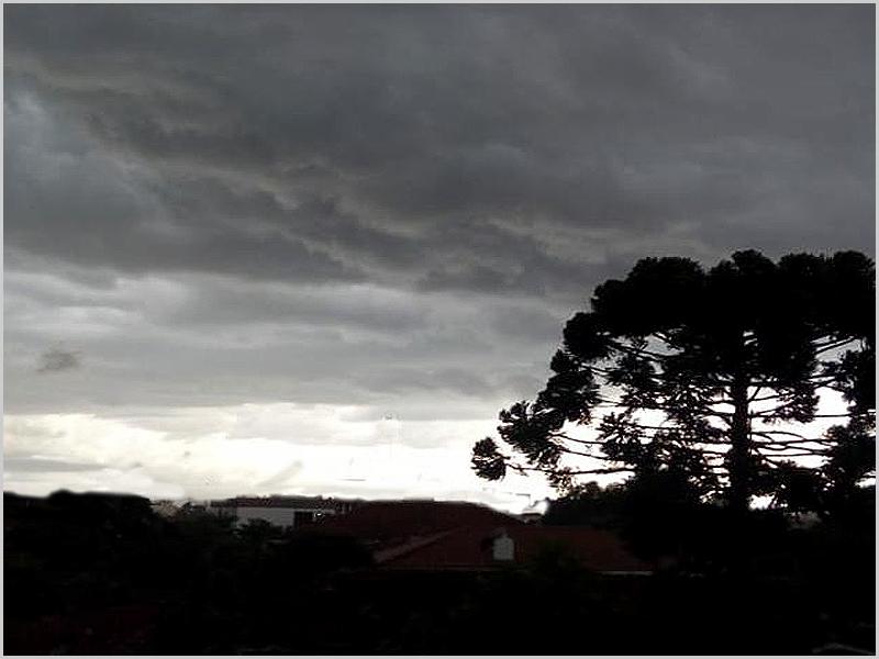 O céu apronta tormenta