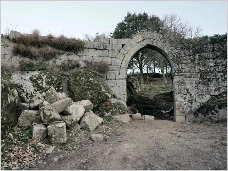 National Geographic referenciou o portal do castelo de Vila do Touro no Sabugal