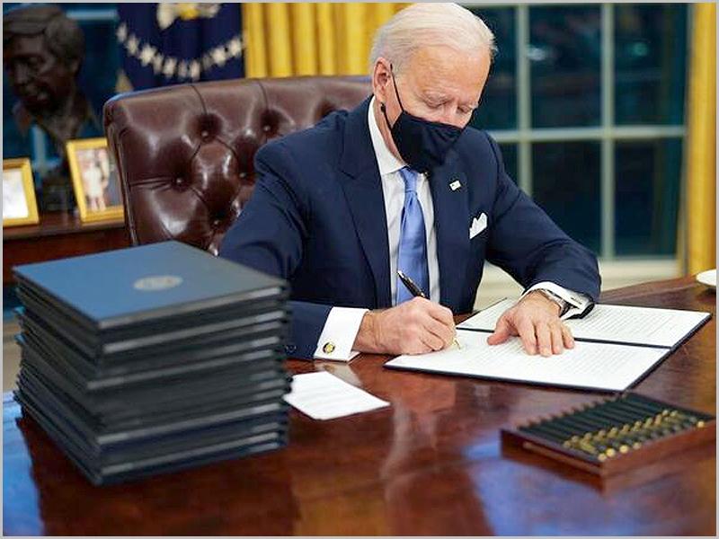 Biden anula decretos de Trump