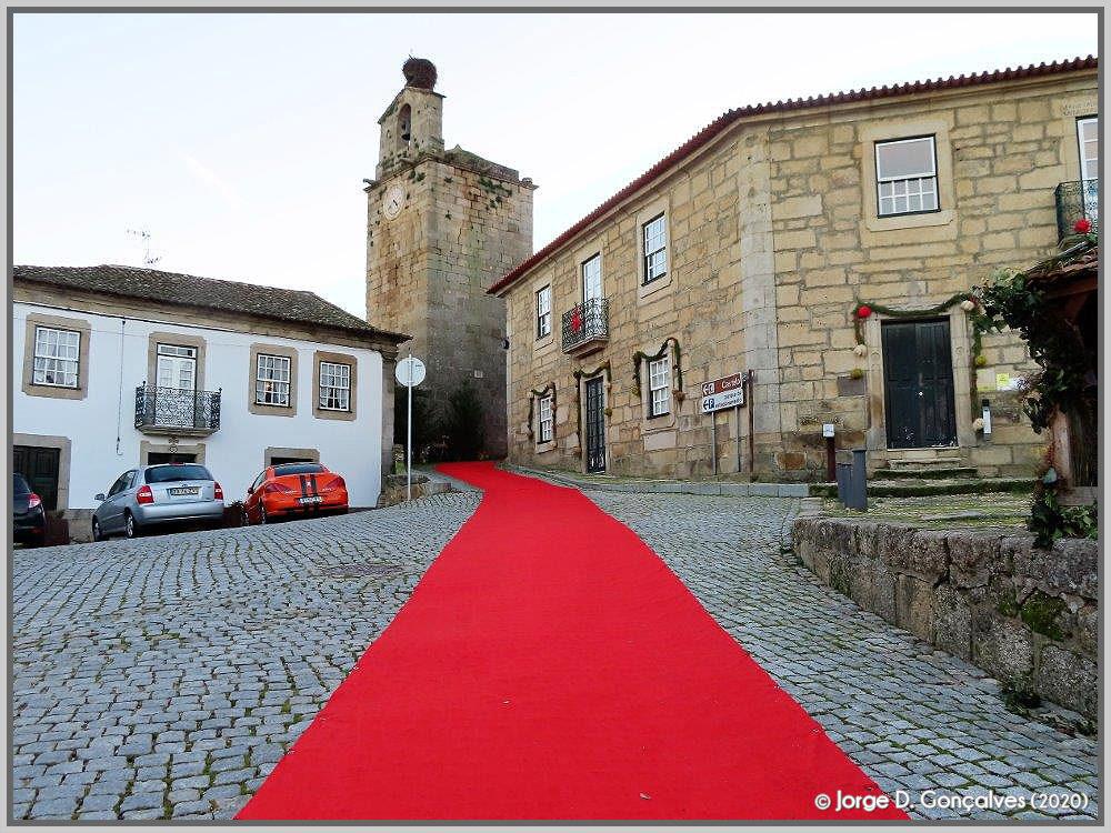 Passadeira vermelha para o presépio do Natal 2020 no Sabugal