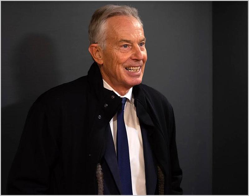 O Trabalhista Inglês Tony Blair que foi um dos coveiros da Social-democracia na Europa