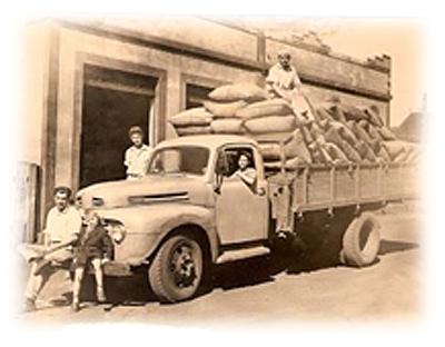 Camioneta com sacas de batatas