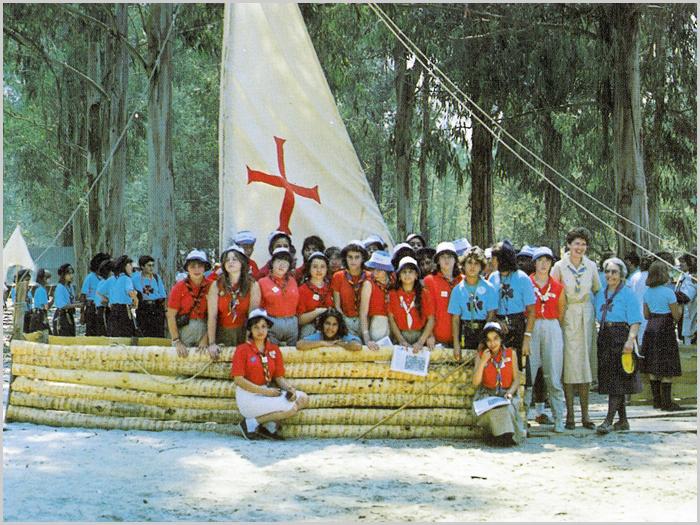 Guias portuguesas e francesas no III Acampamento Nacional no Barreiro em 1988