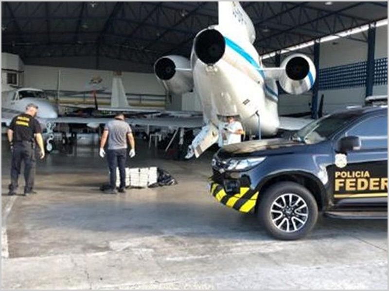 Avião com droga apreendido no Brasil