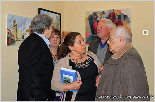 Silvina Silva à conversa com Pinharanda Gomes no lançamento do livro de Franklim Costa Braga na Casa do Concelho do Sabugal (foto: Alberto Pachê)