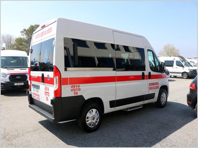 Fornos de Algodres – ambulância para os Bombeiros