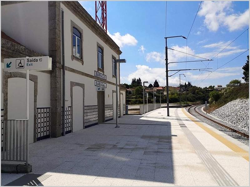 Estação Barracão/Sabugal renovada e electrificada (foto: Rui Isidro em Linha da Beira Baixa)